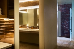 Encino_Bathroom_2048x1000